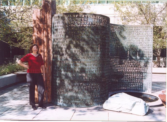 Elonka at the CIA Kryptos sculpture in 2002